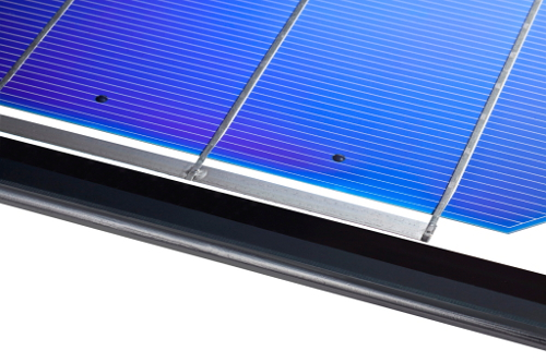 With the 'TPedge' assembly approach, solar cells are fixed in a gas-filled space between the two glass panes with special adhesive pins, eliminating encapsulants and backsheets as well as the aluminium frame and sealing. Image Fraunhofer ISE