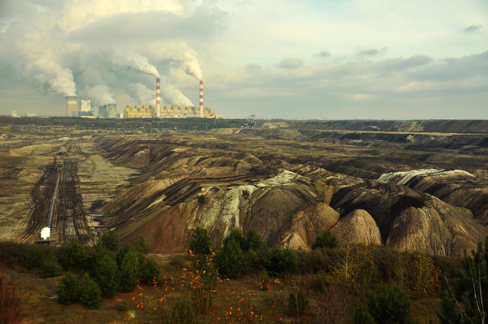 A solar reconversion would unlock jobs and TWh of clean power for places like Poland's Bełchatów, which may have to move away from coal in the future (Credit: Greenpeace Polska)
