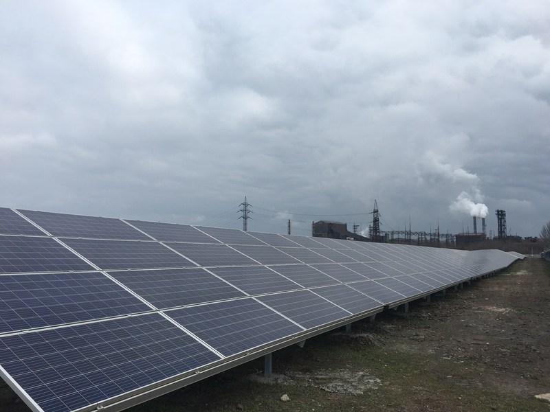 Construction of the solar project, located on the territory of the Nikopol FerroAlloy Plant, began in late May and represents a total investment of US$12.4 million. Image: TIU Canada