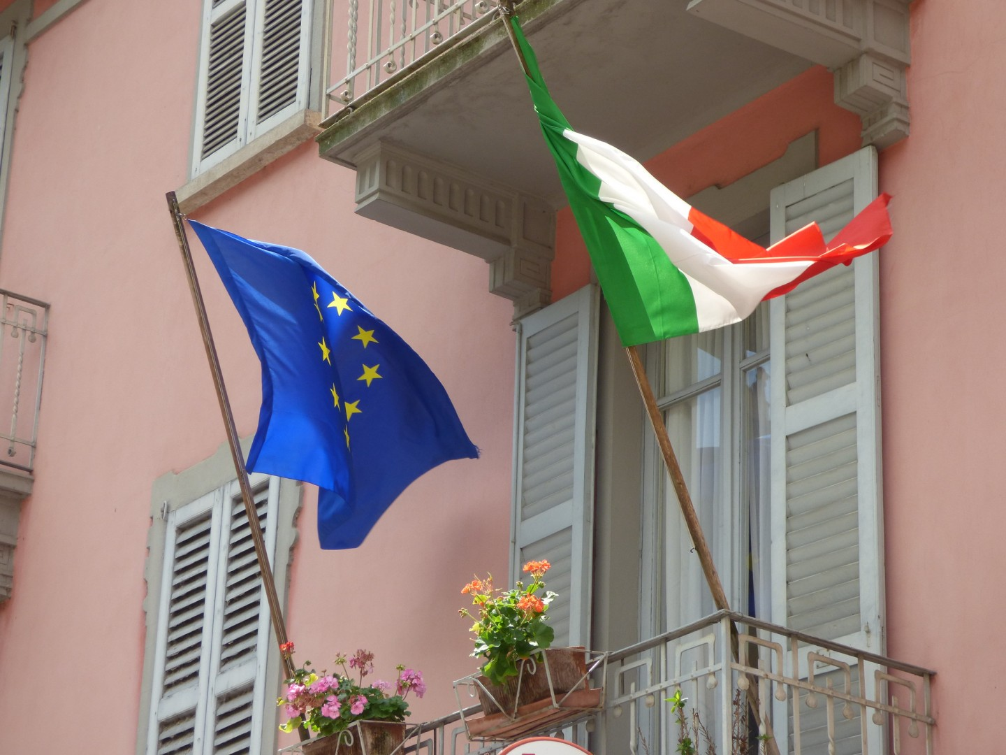 The EU's nod comes as Italy works to use subsidies to help boost PV capacity from 20GW to 50GW by 2030 (Credit: Flickr / Elliott Brown)