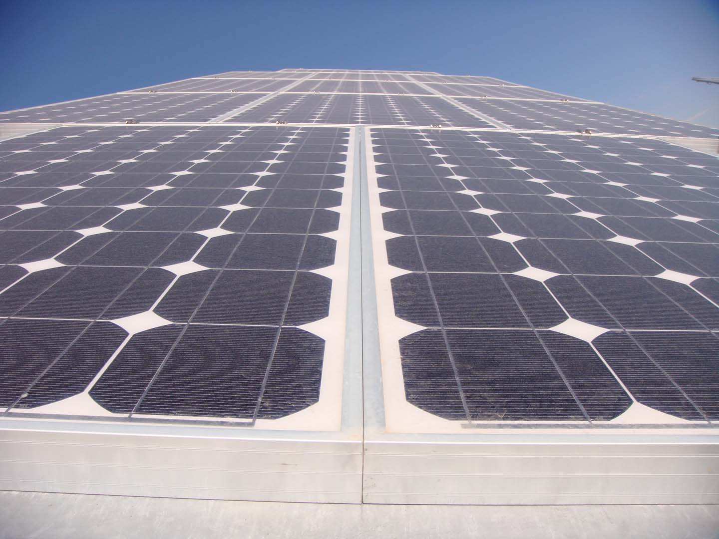 Serving as an independent EPC contractor, M+W Group designs and develops commercial and utility-scale PV projects for various companies and utilities. Image: theregeneration / Flickr