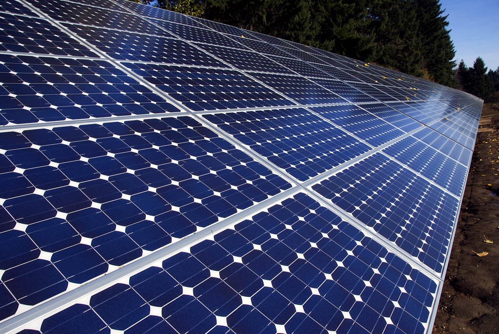 The installation will be comprised of approximately 570,000 PV panels. The project is expected to start providing energy by December 2019. Image: Oregon Department of Transportation