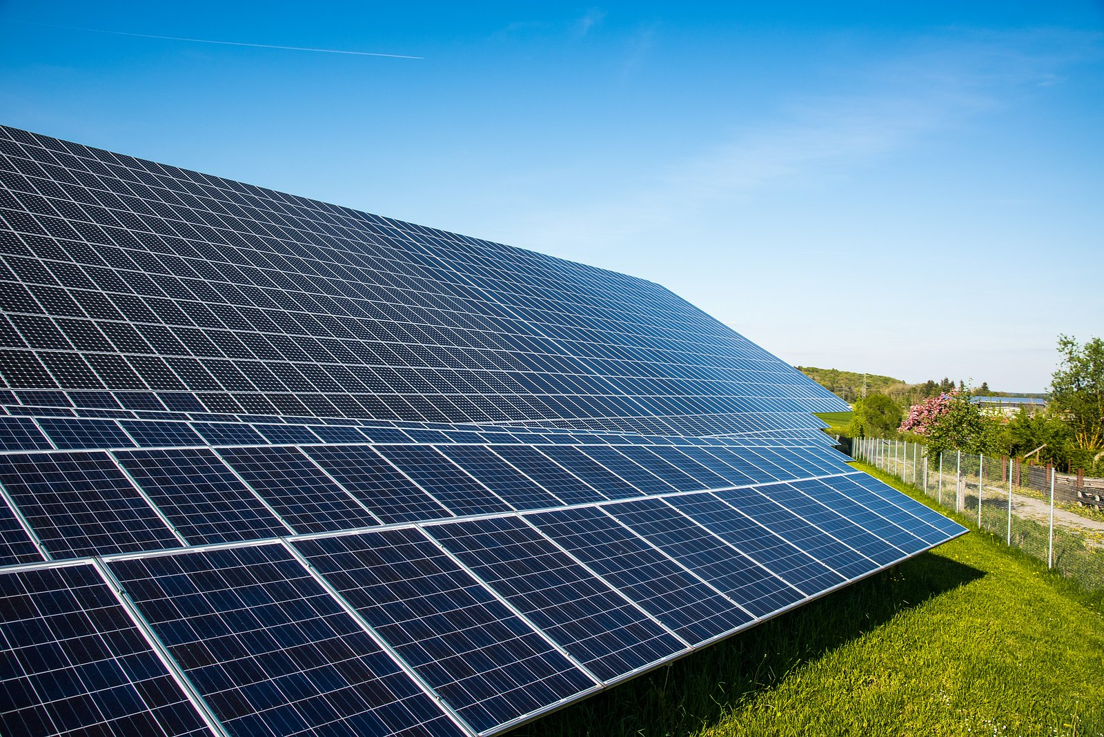 This stands as the second project in the 580MW PV portfolio that Cubico acquired from Cypress Creek Renewables (Cypress Creek) in January to reach financial close. Image: zak zak / Flickr