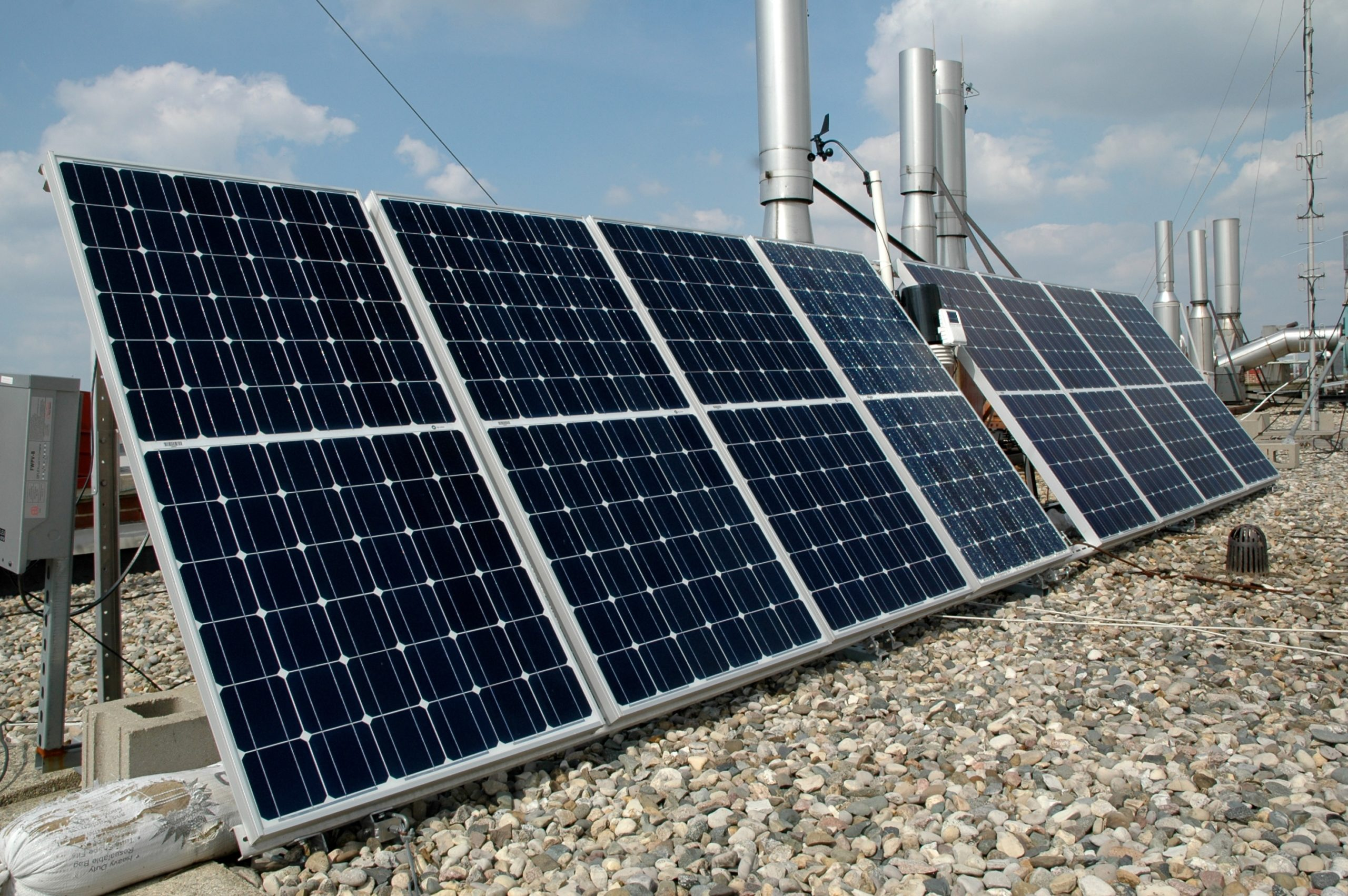 The 1MW community-solar project will generate over 2.1 million kWh per year. Image: stantoncady/Flickr