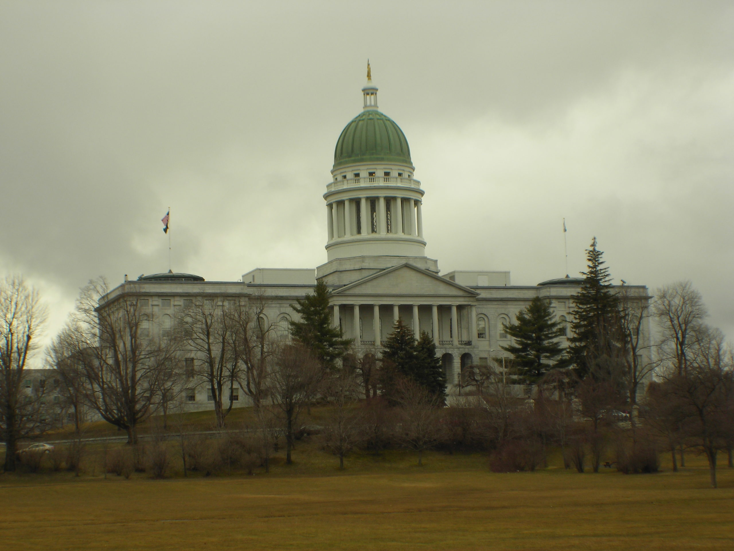Despite a large amount of support, the new solar bill was vetoed by Maine Governor Paul LePage. Image: Terry Ross / Flickr