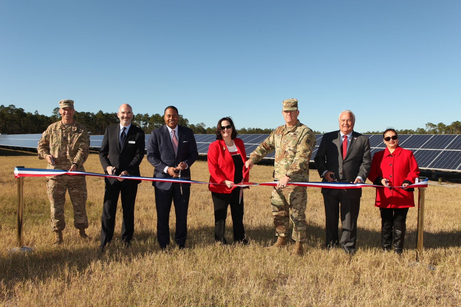 Leaders from Georgia Power and the US Army joined elected officials, community leaders and other dignitaries at Fort Stewart near Hinesville to dedicate the new on-base solar facility. Source: Georgia Power
