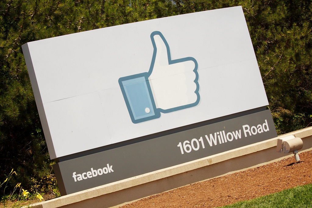 This week Facebook secured PV power for its data centres but also revealed it will invest in separate projects (Credit: Flickr / Marcin Wichary)