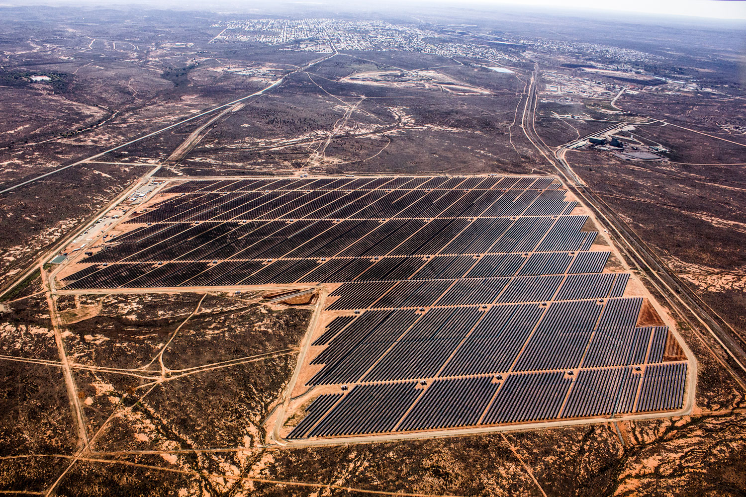 Broken Hill solar plant looking East. Credit: ARENA