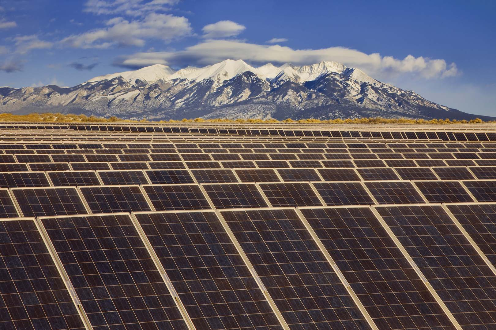 Figures published today by GTM Research forecast 16GW of new solar capacity in the US this year. Source: SunEdison.
