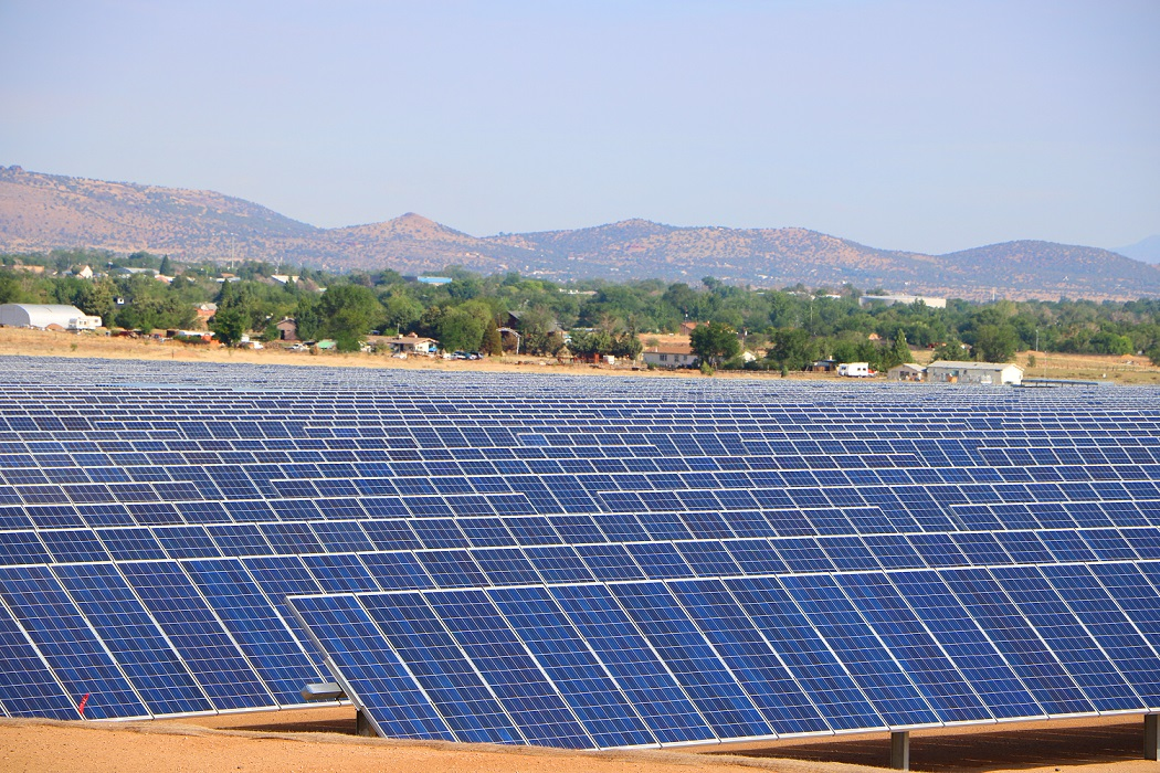 APS is looking to install a battery storage system at its Chino Valley solar project (pictured) in Arizona. Image: Arizona Public Service.