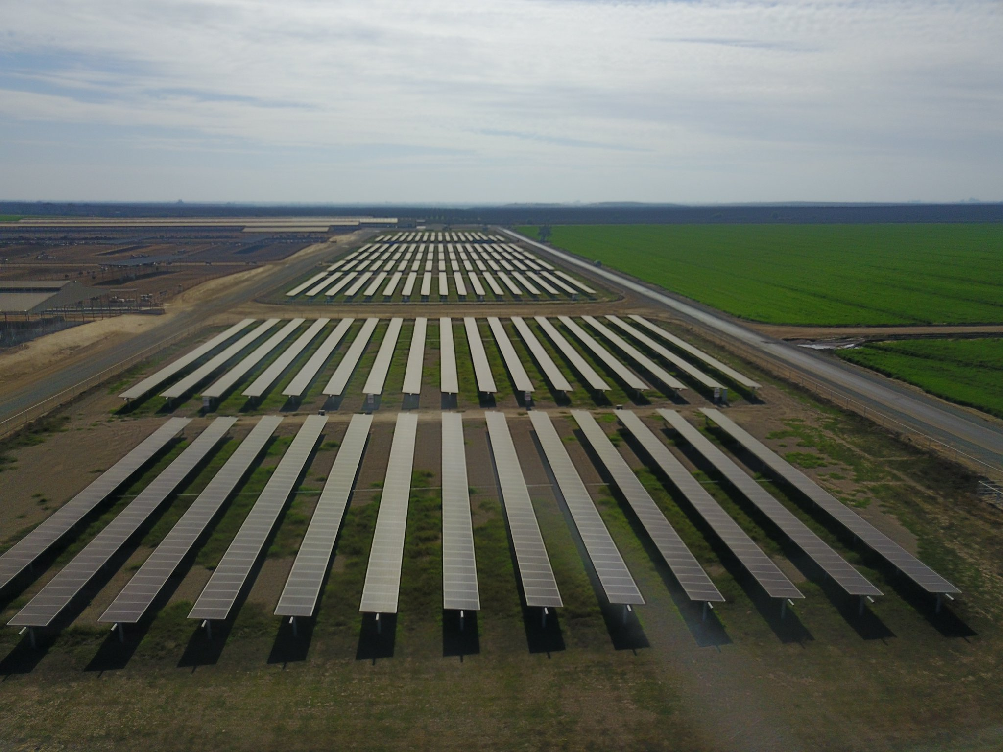 Independent Power Producer sPower has entered into a strategic solar tracker supply deal with Array Technologies for multi-gigawatts of planned PV power plants, cementing a business relationship established over the last four years. Image: Array Technologies