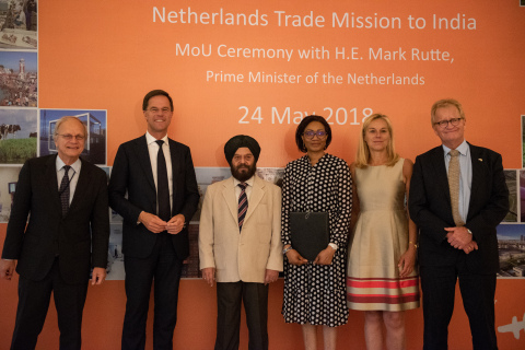 From left to right: Mr. Alphonsus Stoelinga (Ambassador of the Netherlands to India), Mr. Mark Rutte (PM of the Netherlands), Mr. H.S. Wadhwa (COO Azure Power), Ms. Fatou Bouaré (CRFO FMO), Ms. Sigrid Kaag (Minister for Foreign Trade and Development Cooperation of the Netherlands) and Mr. Hans de Boer (President of the Confederation of Netherlands Industry and Employers VNO-NCW)