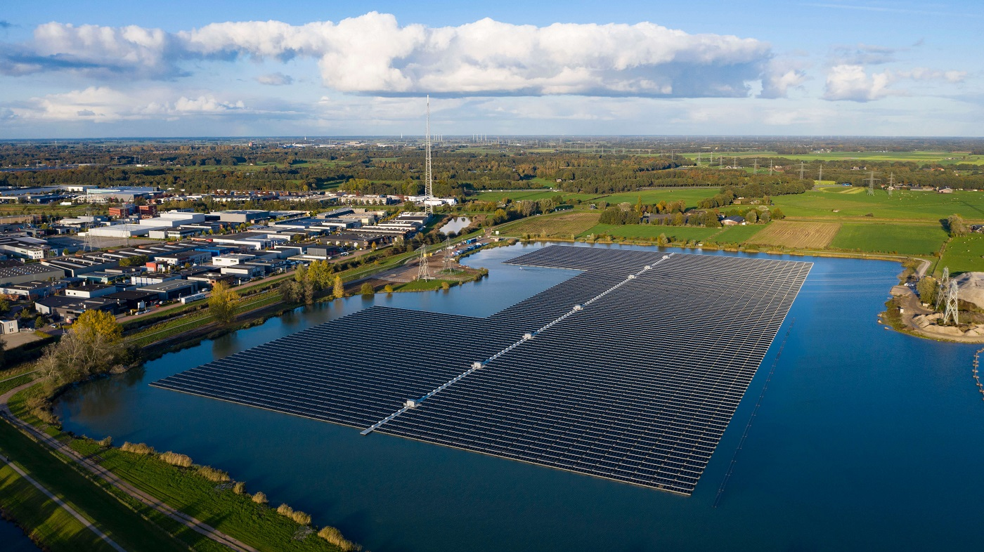 The 14.5MWp Floating PV installation Sekdoorn near the Dutch city of Zwolle. Image: BayWa AG.