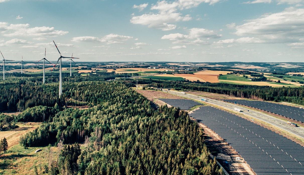 BayWa r.e. has built a 10MWp solar park near Bayreuth, Germany, that is connected to the grid of a 24MW wind farm. Image: BayWa r.e.