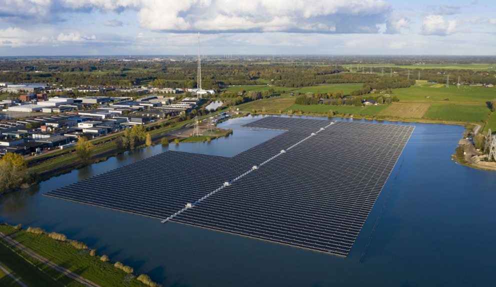 A 14.5MWp floating PV project in the Netherlands that was acquired by Encavis last year. Image: BayWa AG.