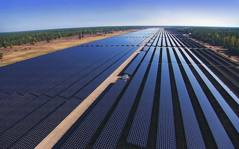 Plus-100MW projects such as  Groß Dölln in Germany may be an increasing rarity in Europe, but there is still life in the continent's large-scale PV segment. Image: Belectric.