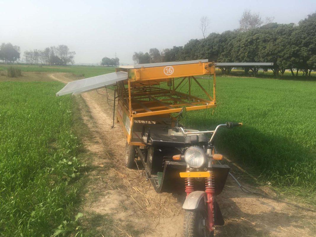 Anotehr Claro solar rickshaw. credit: Claro Energy