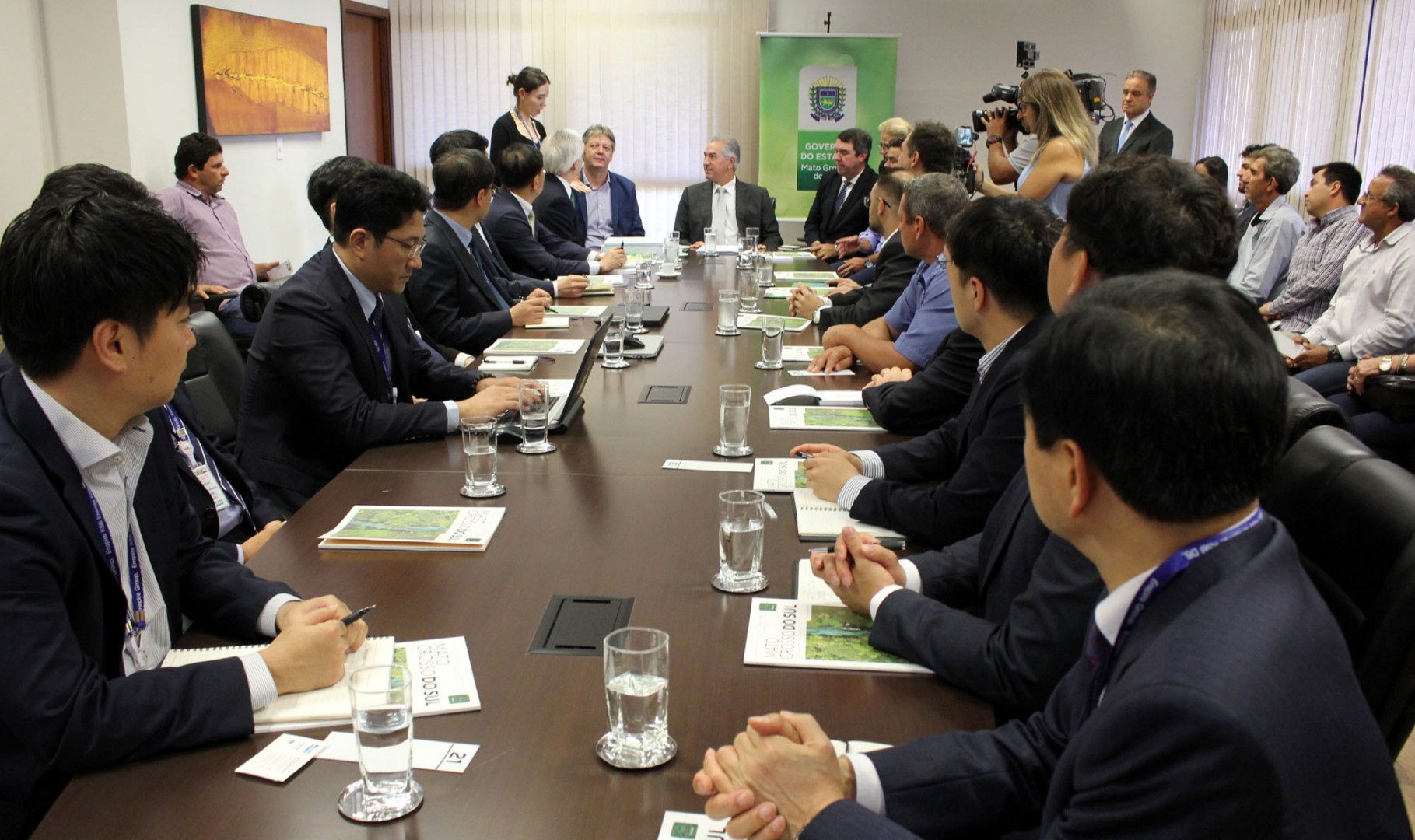 South Korean reps recently met state officials to discuss the utility-scale project (Credit: Mato Grosso do Sul government)