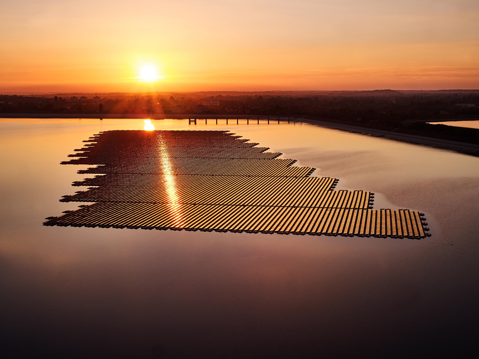 Lightsource BP's only floating solar project to date, the 6.3MW install on the QEII Reservoir in the UK. Image: Lightsource BP.