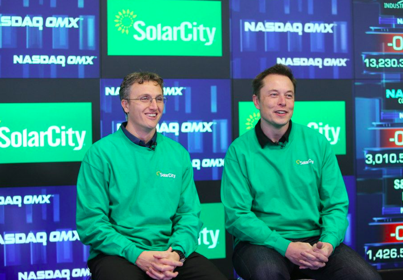 Elon Musk (right) and cousin Lyndon Rive. Image: Tesla/Solarcity.