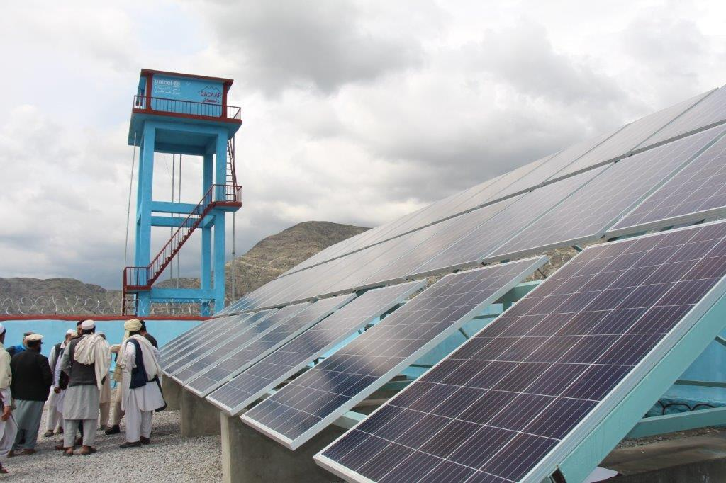 The new PV-powered water pipes will bring water to over 3,000 vulnerable people in the eastern city of Jalalabad. Image credit: UNICEF Afghanistan on Twitter