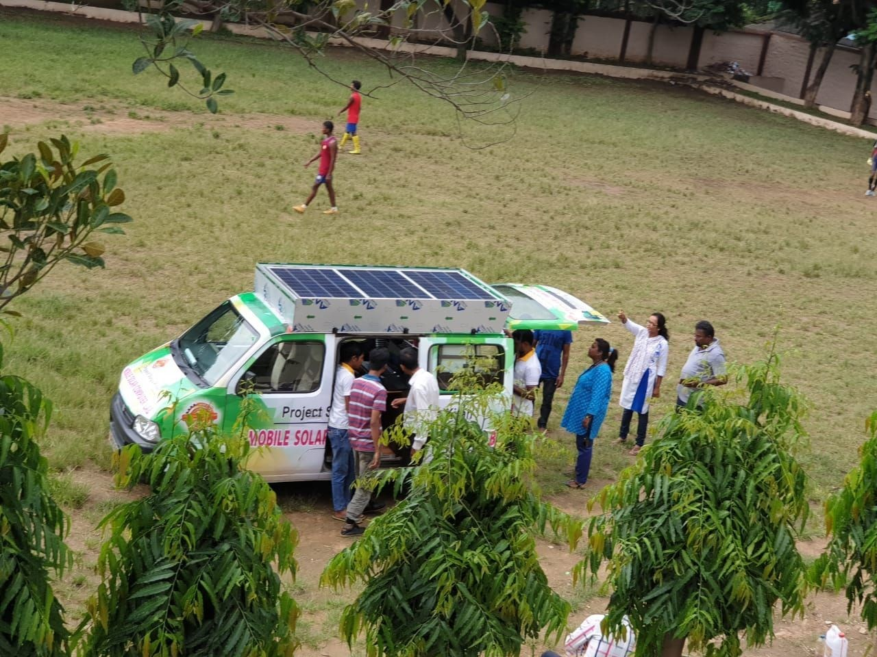 The van has the energy capacity to power five laptops and one demo computer, while also offering wi-fi internet. Image: Edimpact