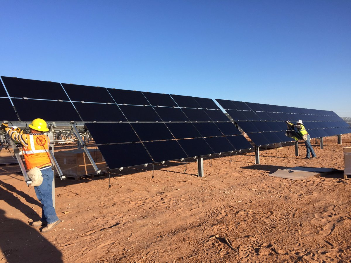 1,400 customers signed up to the community solar programme within a month. Source: El Paso Electric Twitter