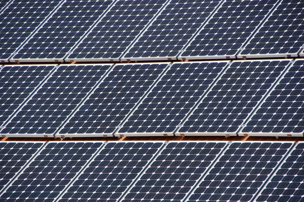 Once this acquisition is approved by regulators, this phase of the Badger Hollow Solar Farm would begin generating electricity in 2021. Image: Martin Abegglen / Flickr