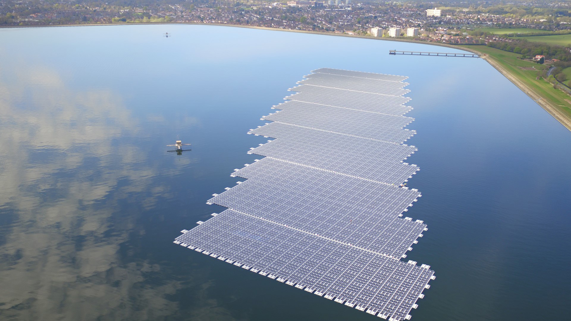 Bankability is the key to unlocking new sources of finance for floating solar projects. Image: Lightsource