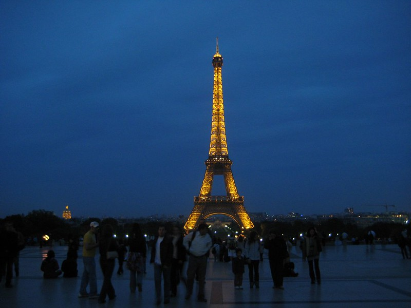 The Eiffel Tower at night. Souce: Flickr, Greg Walters