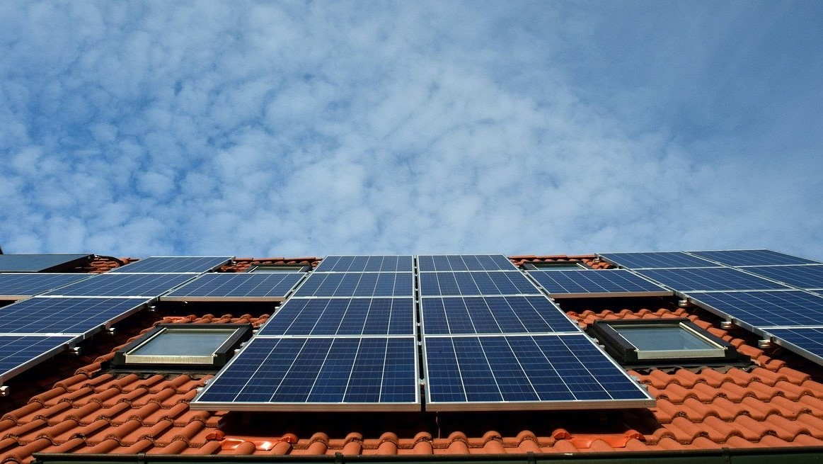 The plan will see around 500 social housing properties in Western Australia fitted with AU$6 million worth of solar panels. Image: Pixabay.