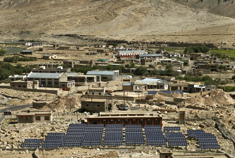 Solar in India. Image: Greenpeace India.