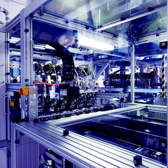 Production equipment for Hevel's mass production of heterojunction cells and modules. Image: Hevel Solar