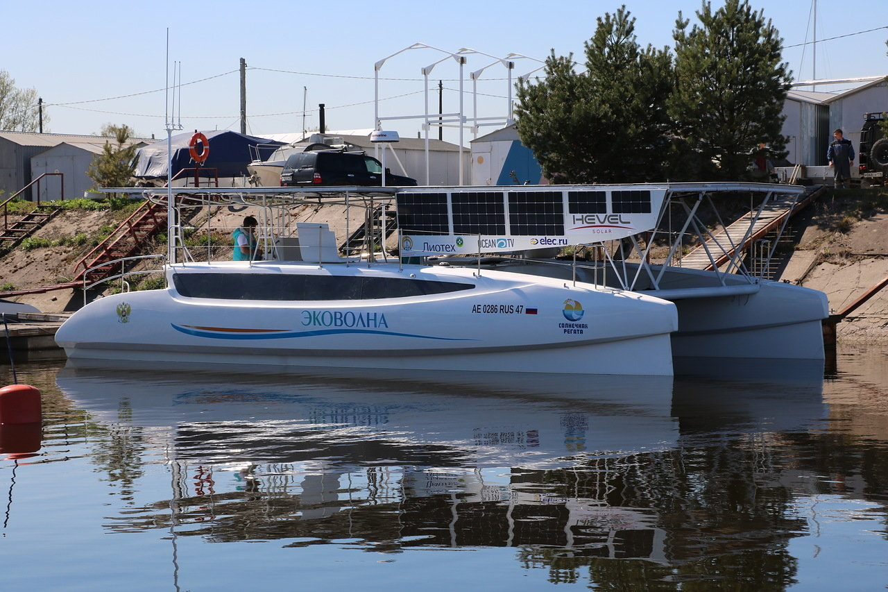 Hevel Group have provided specialised semi-flexible heterojunction cell-based laminates to a solar electric catamaran that is planning a 5000 km long journey across Russia.