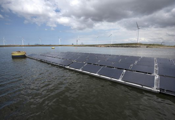 The four different floating solar pilot projects overseen by the National Consortium Zon op Water (Floating Solar) that includes ECN and TNO working together in the Solar Energy Application Center (SEAC) is aiming to demonstrate the feasibility of floating solar in rough water conditions.