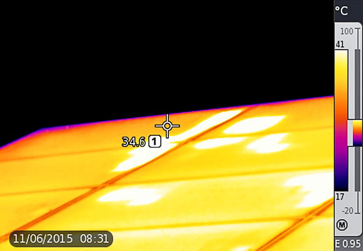 Partial soiling of modules can create dangerous hotspots. Image: PI Berlin.