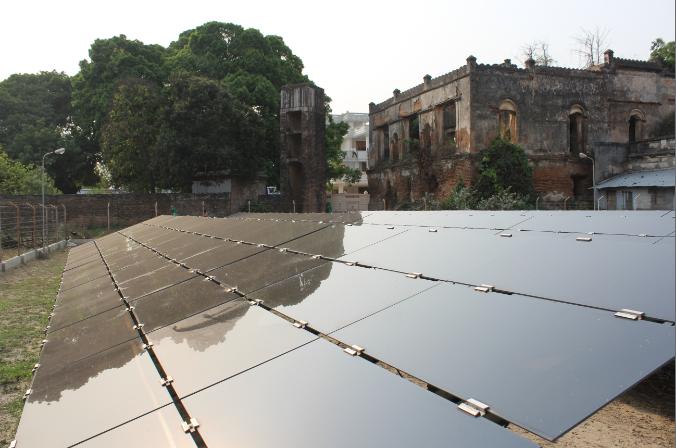 First Solar thin-film solar modules on site. Credit: Tom Kenning
