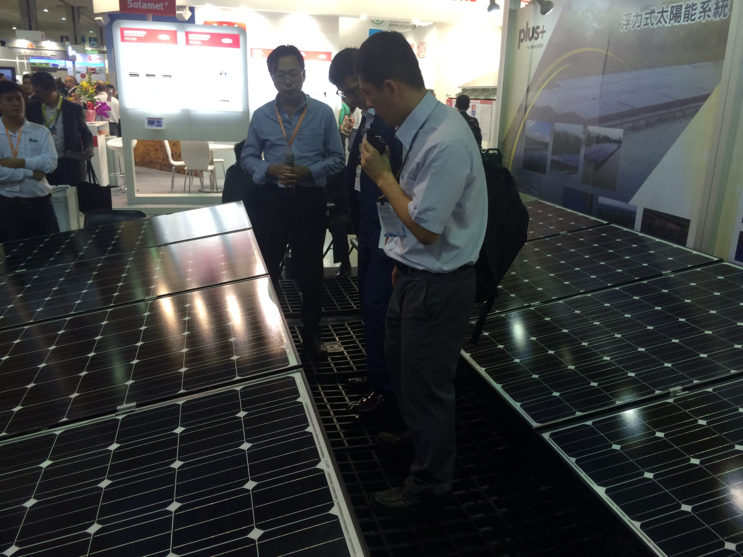 Charles Huang of Plus Renewable explains the potential for floating solar in Taiwan at teh PV Taiwan exhibition in Taipei. Credit: Tom Kenning
