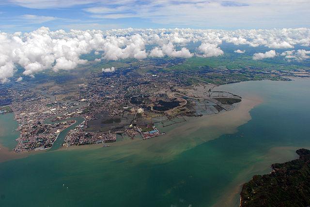 Iliolio City, Panay Island. Credit: Wikimedia Creative Commons, United States Navy