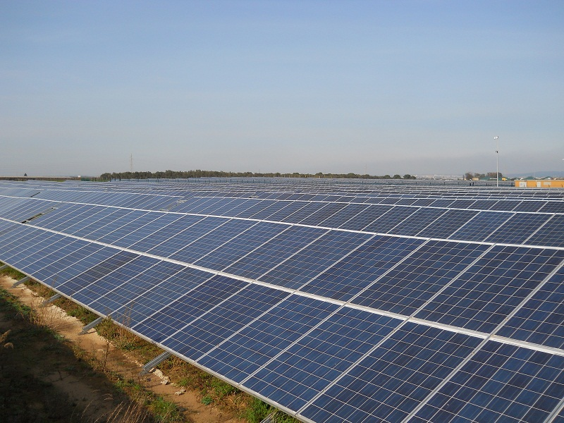local news outlets claim that the crossing was made when India's largest utility NTPC commissioned another 45MW of PV at Bhadla Solar Power project. Credit: Proinso