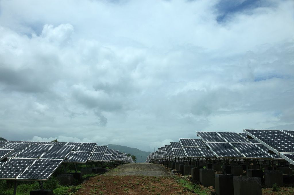 Tata won with a bid of INR4.84/kWh (US$0.072), meanwhile Adani went for INR4.86/kWh. Credit: Tata