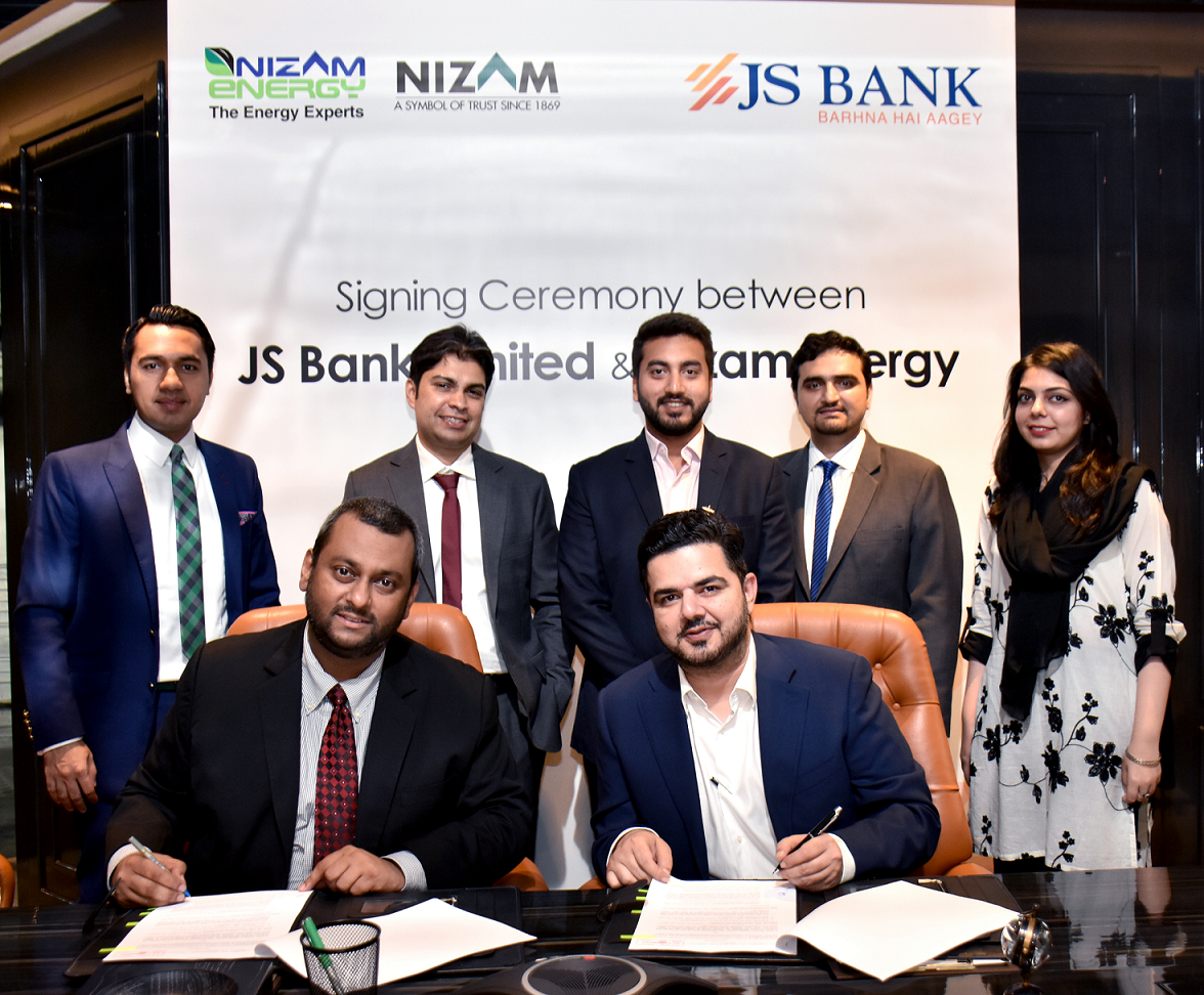 The collaboration agreement was signed by Babbar Wajid, Head of Product Development & Business Management – JS Bank and Usman Ahmad, CEO – Nizam Energy in the presence of team members from both organizations. Credit: JS Bank