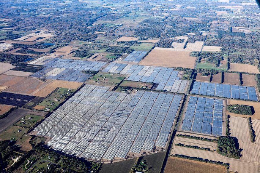 JinkoSolar has provided its high-efficiency 72-cell polycrystalline modules for what will be the largest solar facility in the Midwest. Source: Community Energy Solar