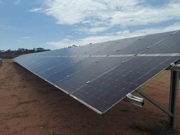 PV ModuleTech 2018 will explain exactly what module companies and technologies will dominate large-scale commercial and utility solar sites in 2019. Credit: Jolywood