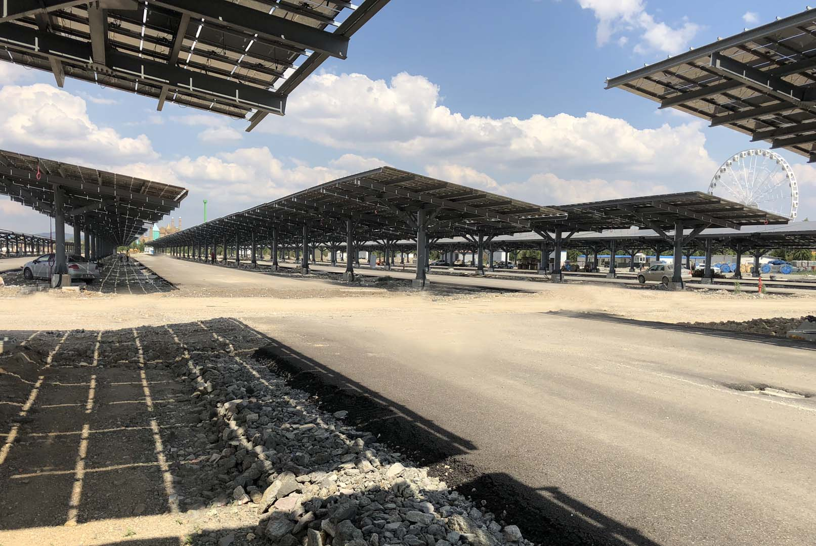 The solar carport will be used in the visitor car parking area and was constructed by Agon Enerji, which used 196 blueplanet 50.0 TL3 inverters and ten Powador 60.0 TL3 inverters from KACO and CdTe thin-film Series 4 modules (120Wp) from First Solar. Image: KACO