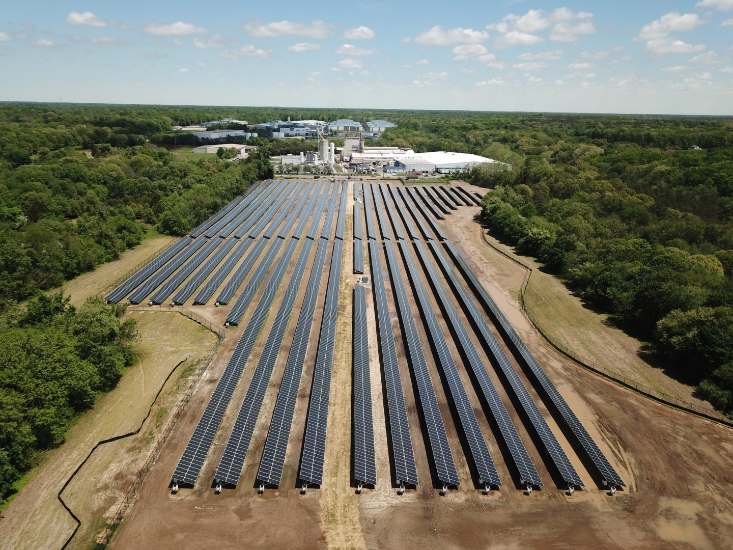 KDC Solar both built and will now operate the PV installation. Image: Ardagh Group