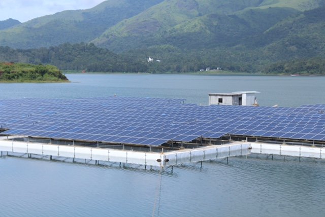 A floating solar plant in the Indian state of Kerala. Image: Adtech Systems.