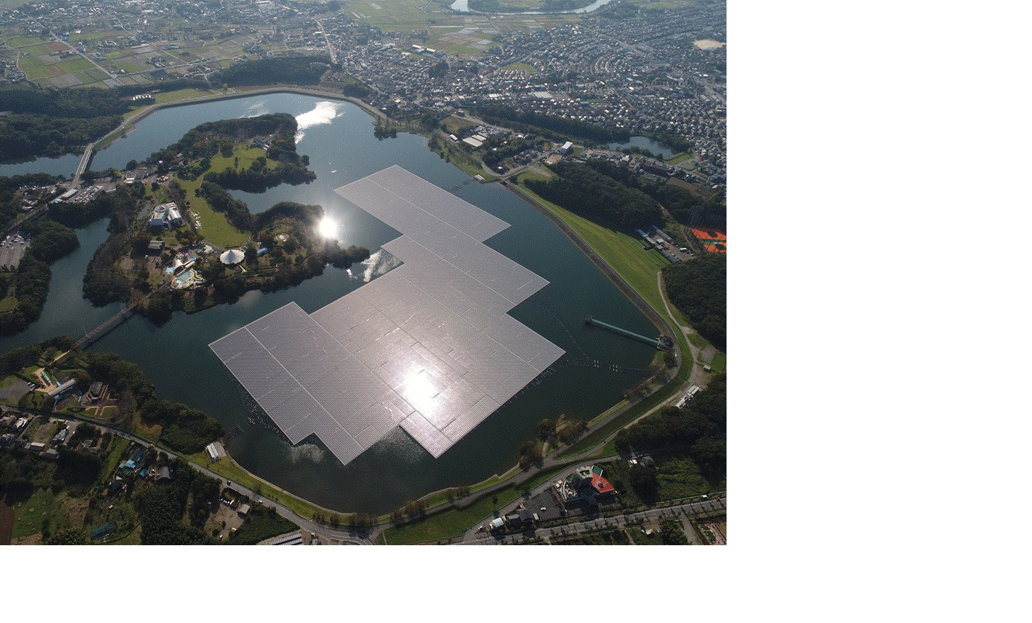 The FPV is on 180,000m2 (over 44 acres) of surface area, using 50,904 Kyocera solar modules for an estimated 16,170 megawatt hours (MWh) per year of electricity generation. ImageL Kyocera