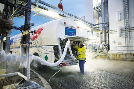 Both industrial gasses firms are key suppliers to the electronics industries, including crystalline silicon and thin-film solar sectors, globally. Image: Linde