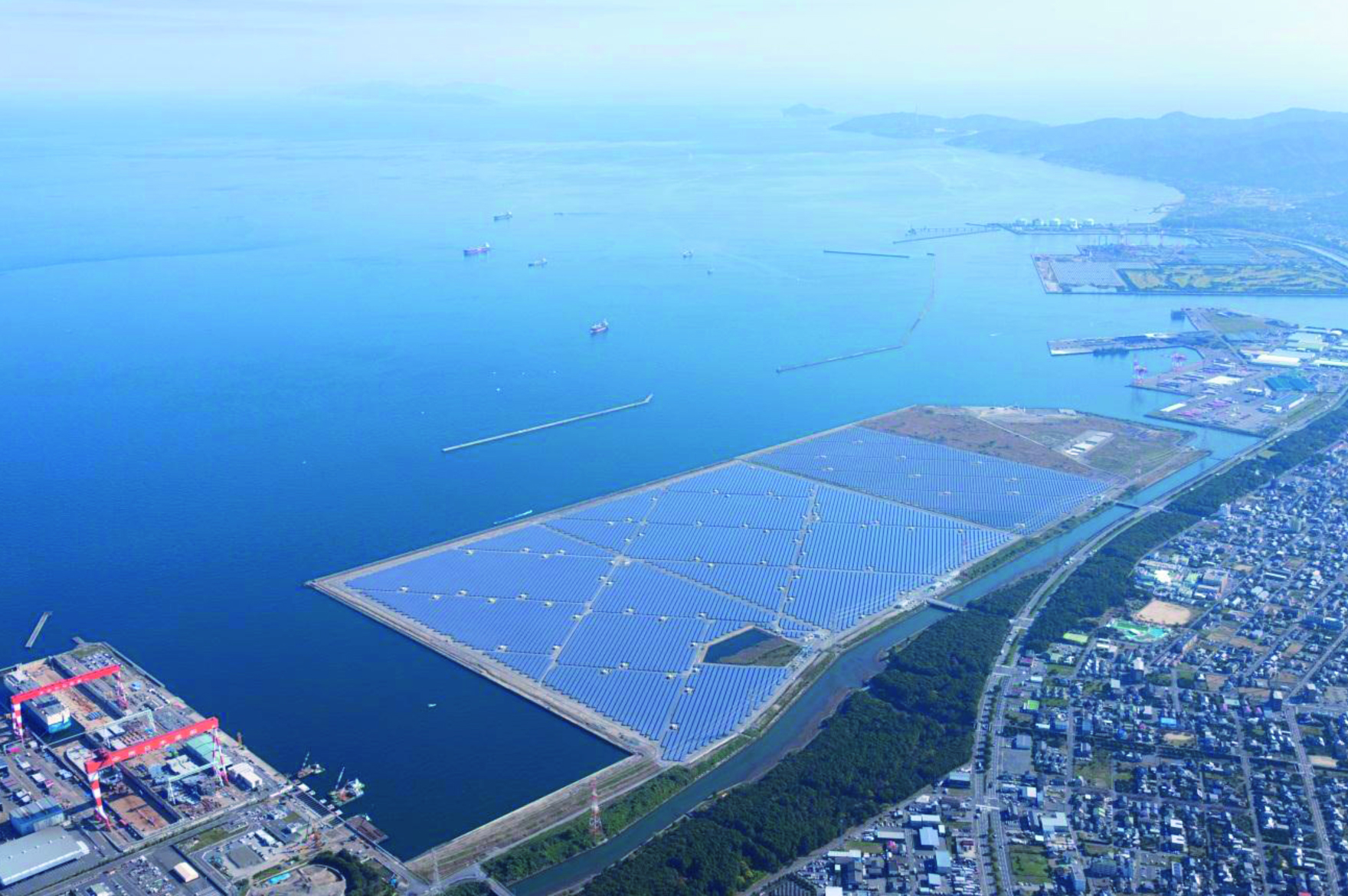 In terms of expanding its renewable energy generation business, Marubeni plans to boost the power generated by renewable sources from its own net power supply from 10% to 20% by 2023. Image: Marubeni